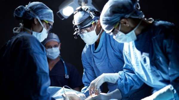 فتح تطوير عقاقير التخدير الباب أمام إجراء الجراحات بشكل أكثر تمهلا، وأتاح الفرصة للجوء إلى تدخلات جراحية أكثر تعقيدا خلالها