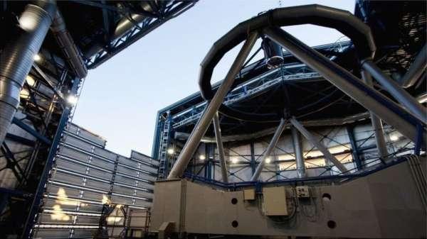 تلسكوب VLT